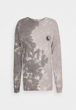 TIE DYE SKATE TEE - Long sleeved top - grey