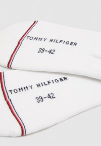 Tommy Hilfiger - MEN ICONIC FOOTIE 2 PACK - Trainer socks - white - 1