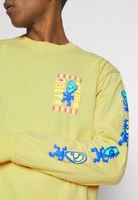 Obey Clothing - THE RHYTHM - Collegepaita - spirulina - 4