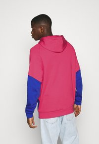 adidas Originals - OUT HOOD - Sweat à capuche - powpnk/white/royblu - 2