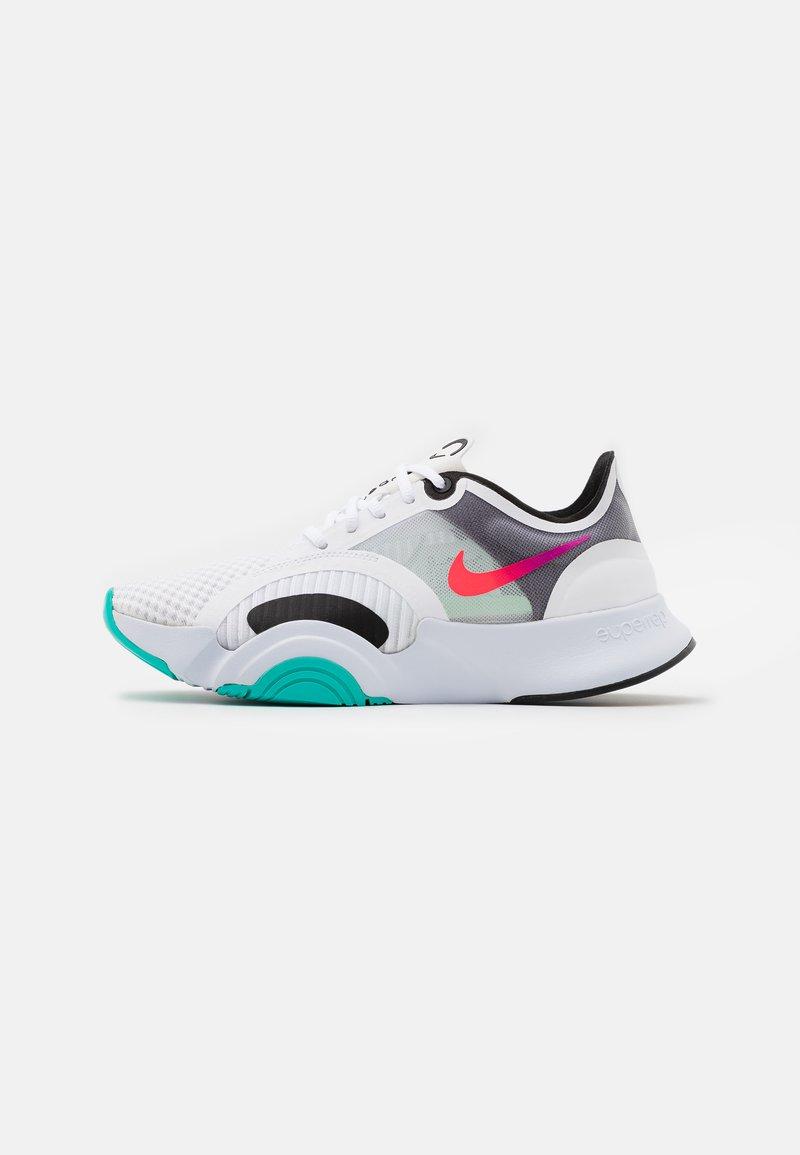 Nike Performance - SUPERREP GO - Zapatillas de entrenamiento - white/flash crimson/black/football grey