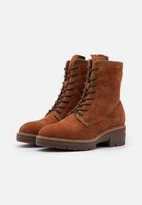 Tamaris Pure Relax - BOOTS  - Platform ankle boots - rust - 2