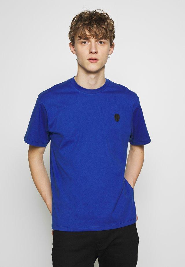 SKULL - Printtipaita - electric blue