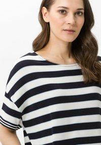 BRAX - Style Rachel - Print T-shirt - navy - 3