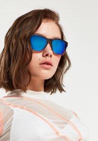 Hawkers - CORE - Sunglasses - black - 1