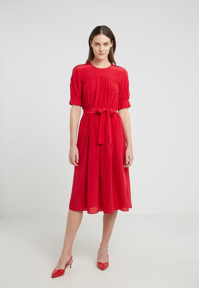 REINA - Vestito estivo - red