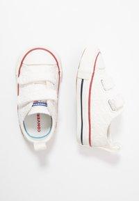 Converse - CHUCK TAYLOR ALL STAR LITTLE MISS CHUCK - Tenisky - white/garnet/midnight navy - 0