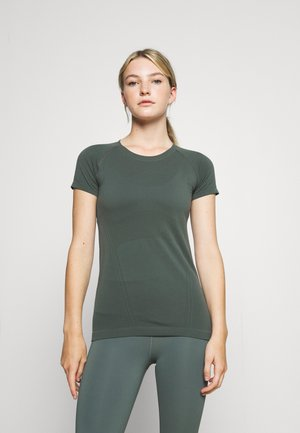 MOMENTUM TEE - Basic T-shirt - deep sea green