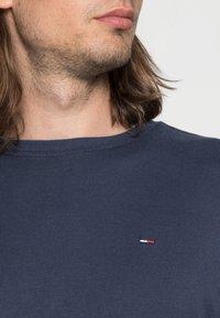 Tommy Jeans - ORIGINAL SLIM FIT - Long sleeved top - black iris - 4
