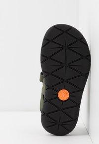Timberland - PERKINS ROW 2 STRAP - Walking sandals - dark green - 5
