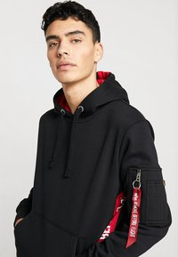 Alpha Industries - INLAY TAPE HOODYEXCLUSIV - Hoodie - black