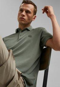 Esprit - Polo shirt - light khaki - 6