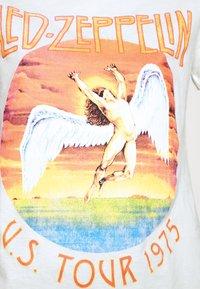 Cotton On - CLASSIC LED ZEPPELIN - Camiseta estampada - gardenia - 5