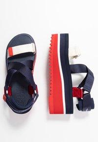 Tommy Jeans - POP COLOR FLATFORM SANDAL - Sandály na platformě - twilight navy - 3