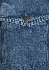 Noisy May - NMRILEY PUFF WESTERN - Button-down blouse - medium blue denim - 2