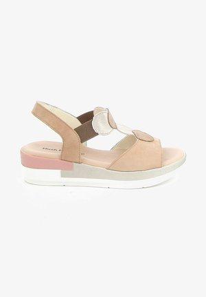 MIROP - Sandalen met plateauzool - beige