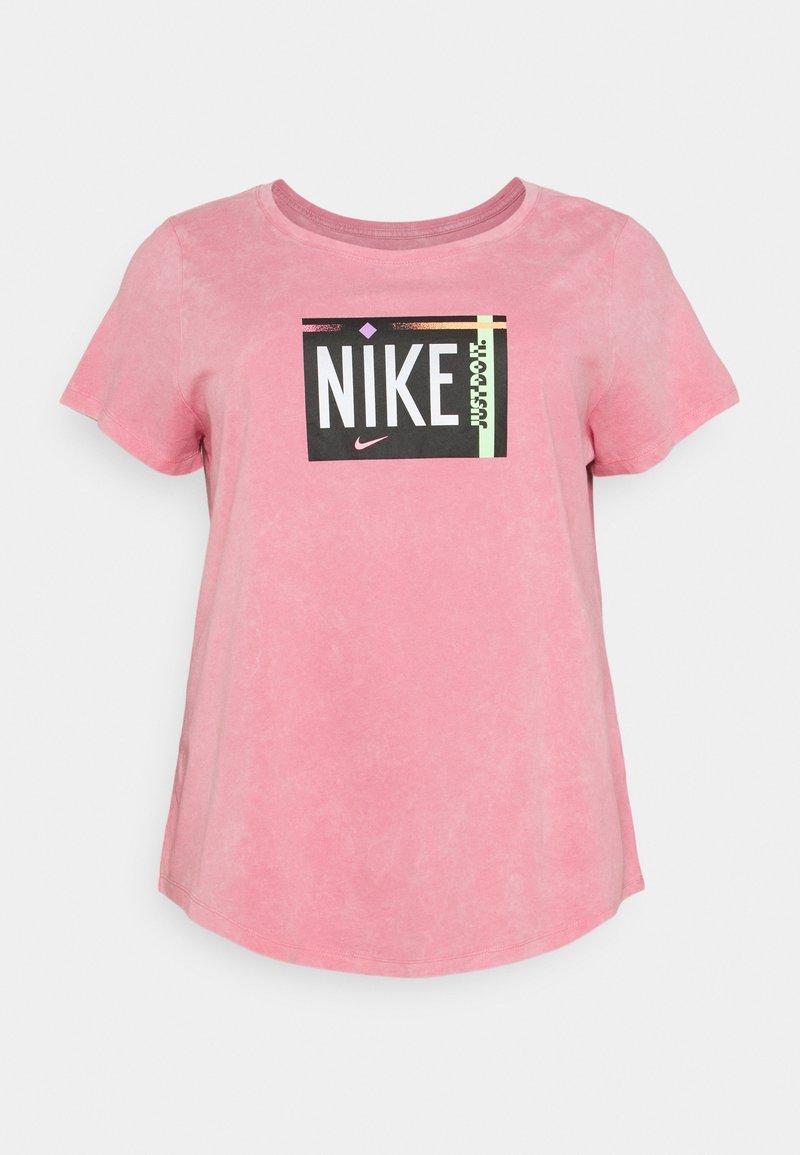 Nike Sportswear - TEE WASH PLUS - Print T-shirt - sunset pulse