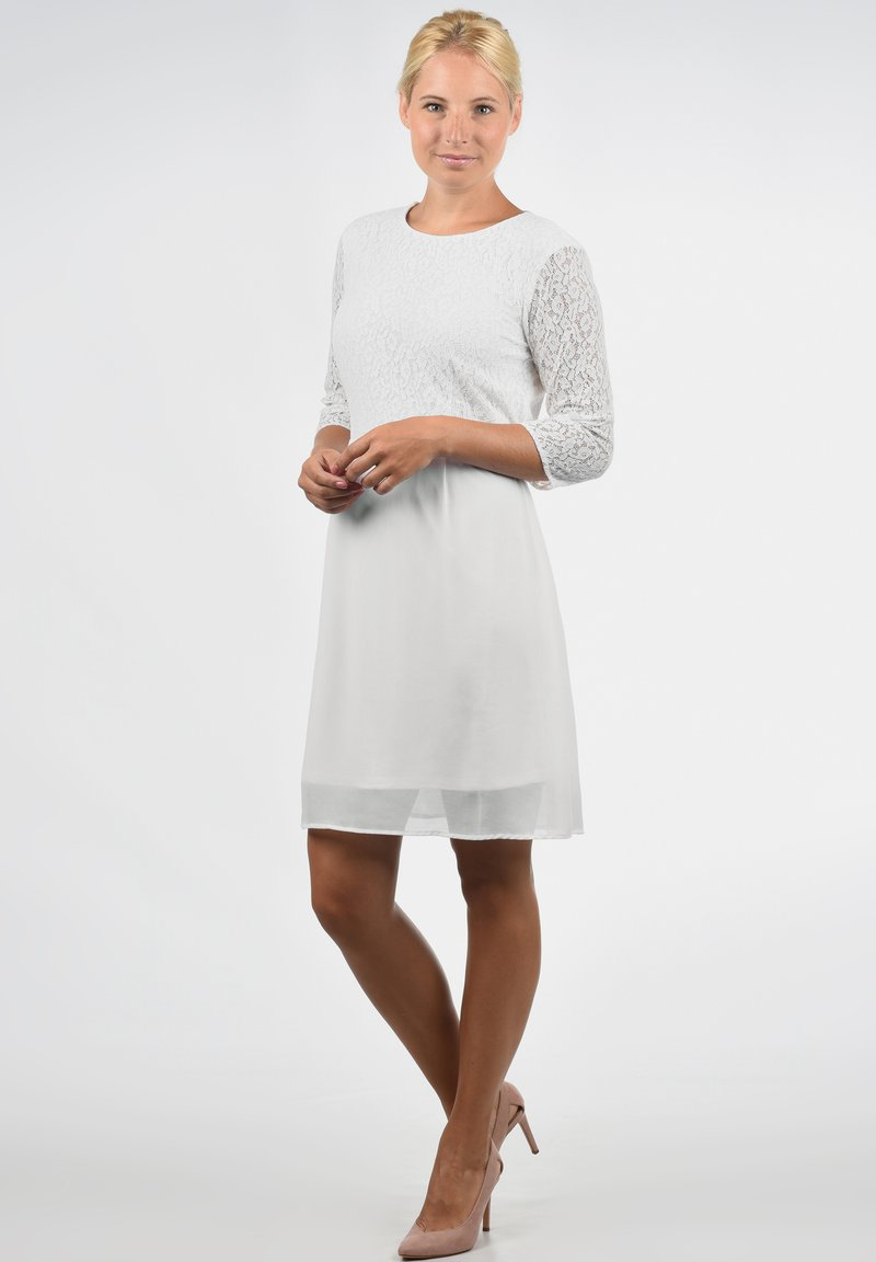 Vero Moda - SPITZENKLEID EVE - Cocktail dress / Party dress - snow white