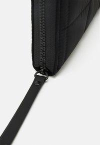 Desigual - MONE FIONA - Wallet - black - 3