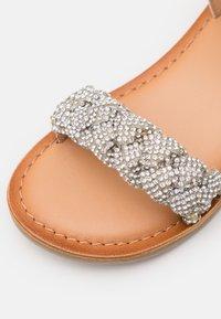 Gioseppo - TRADE - Sandals - blanco - 5