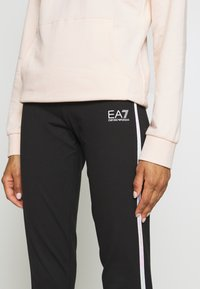 EA7 Emporio Armani - Leggings - black - 3