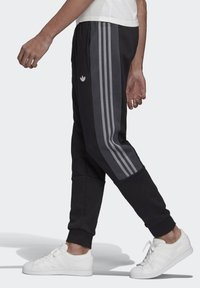 adidas Originals - BX-20 SWEAT JOGGERS - Tracksuit bottoms - black - 3