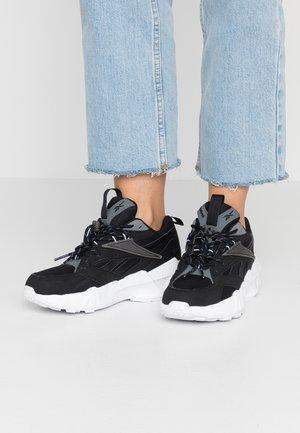 AZTREK DOUBLE LACES FOAM SOCKLINER SHOES - Sneakers - black/alloy/white