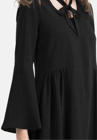 Nicowa - KLASSISCHES  V-AUSSCHNITT - BOHIWA - Cocktail dress / Party dress - schwarz - 3
