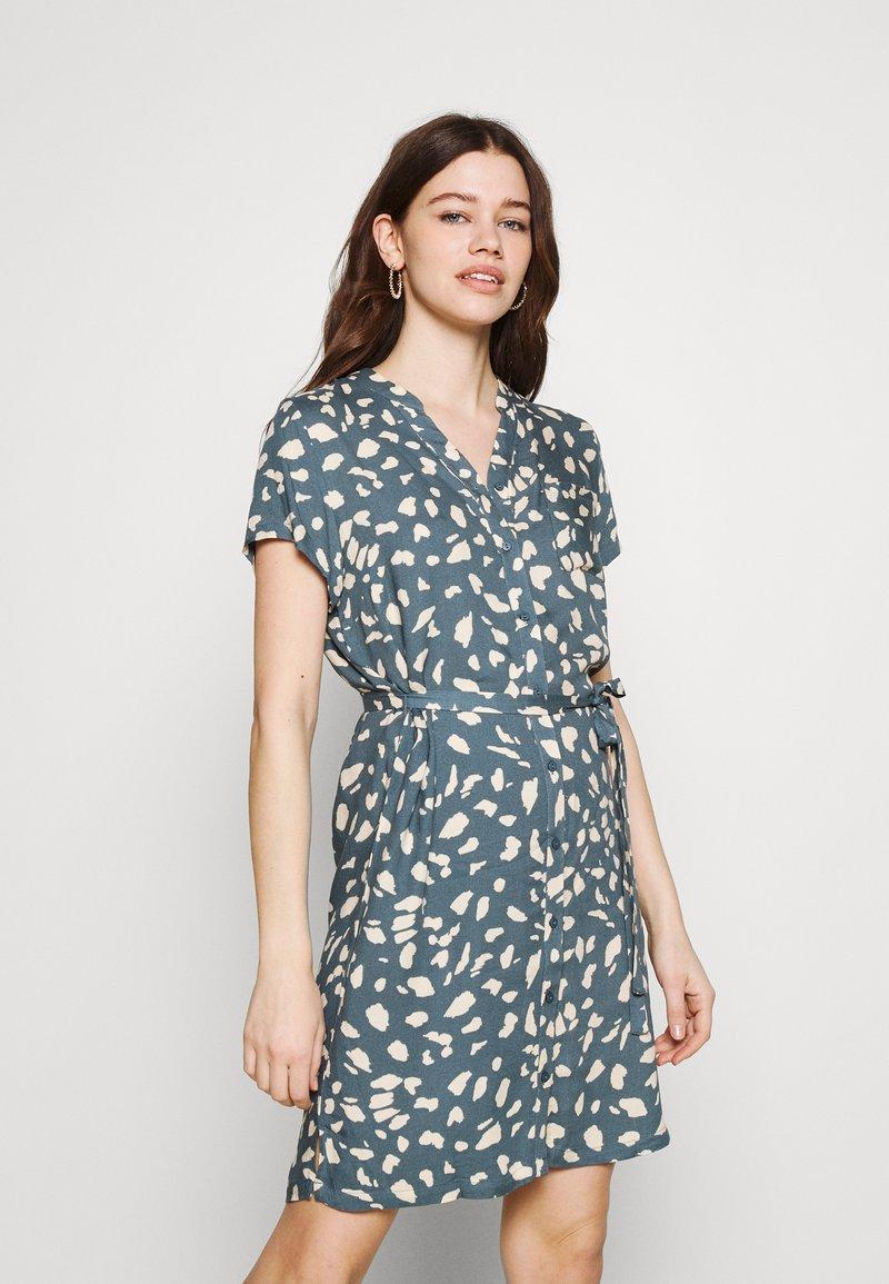 Object - BIRDY DRESS - Shirt dress - blue mirage/sandshell