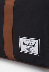 Herschel - NOVEL UNISEX - Weekend bag - black - 3