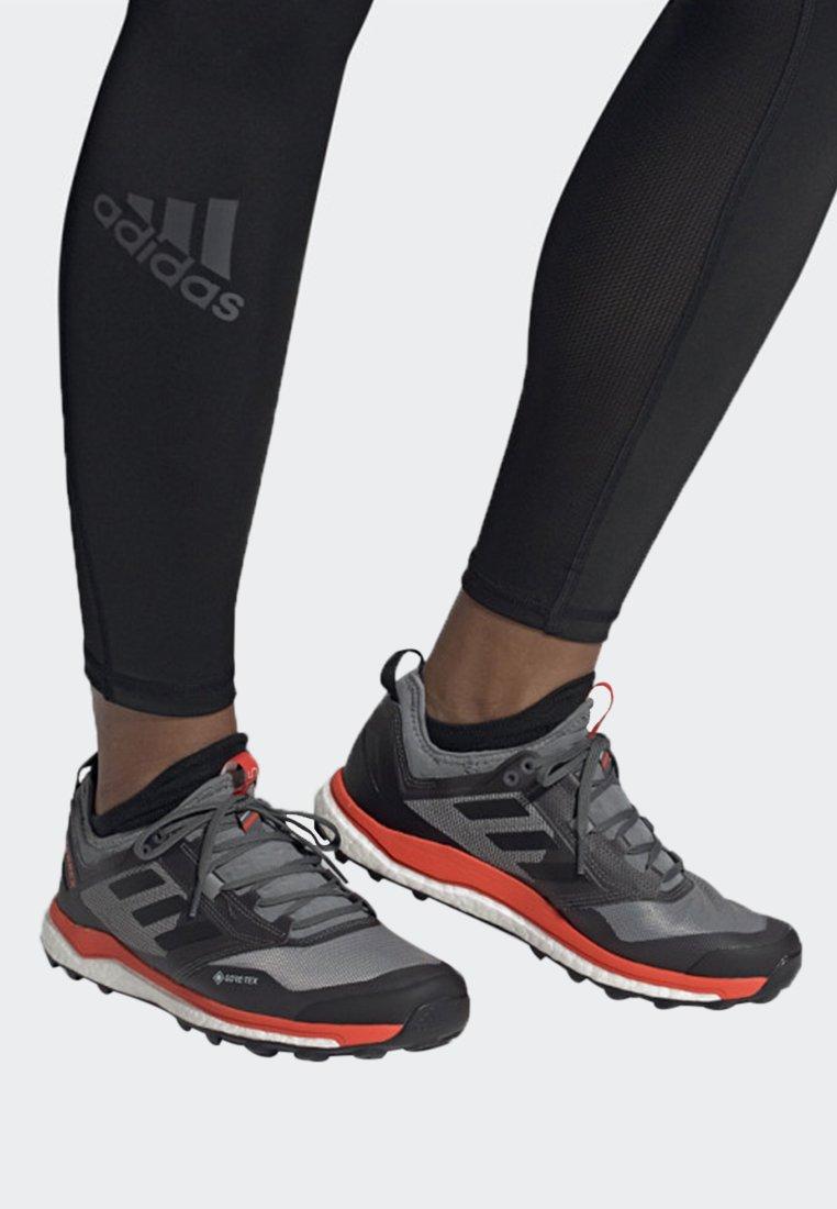 adidas Performance - TERREX AGRAVIC XT GORE TEX TRAIL RUNNING SHOES - Obuwie do biegania Szlak - grey