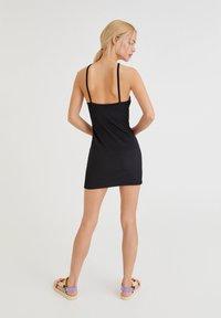 PULL&BEAR - Pouzdrové šaty - black - 2
