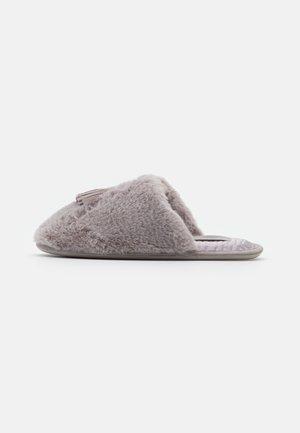 BRETA - Pantoffels - light grey