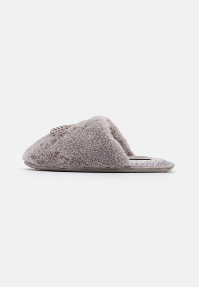 BRETA - Domácí obuv - light grey
