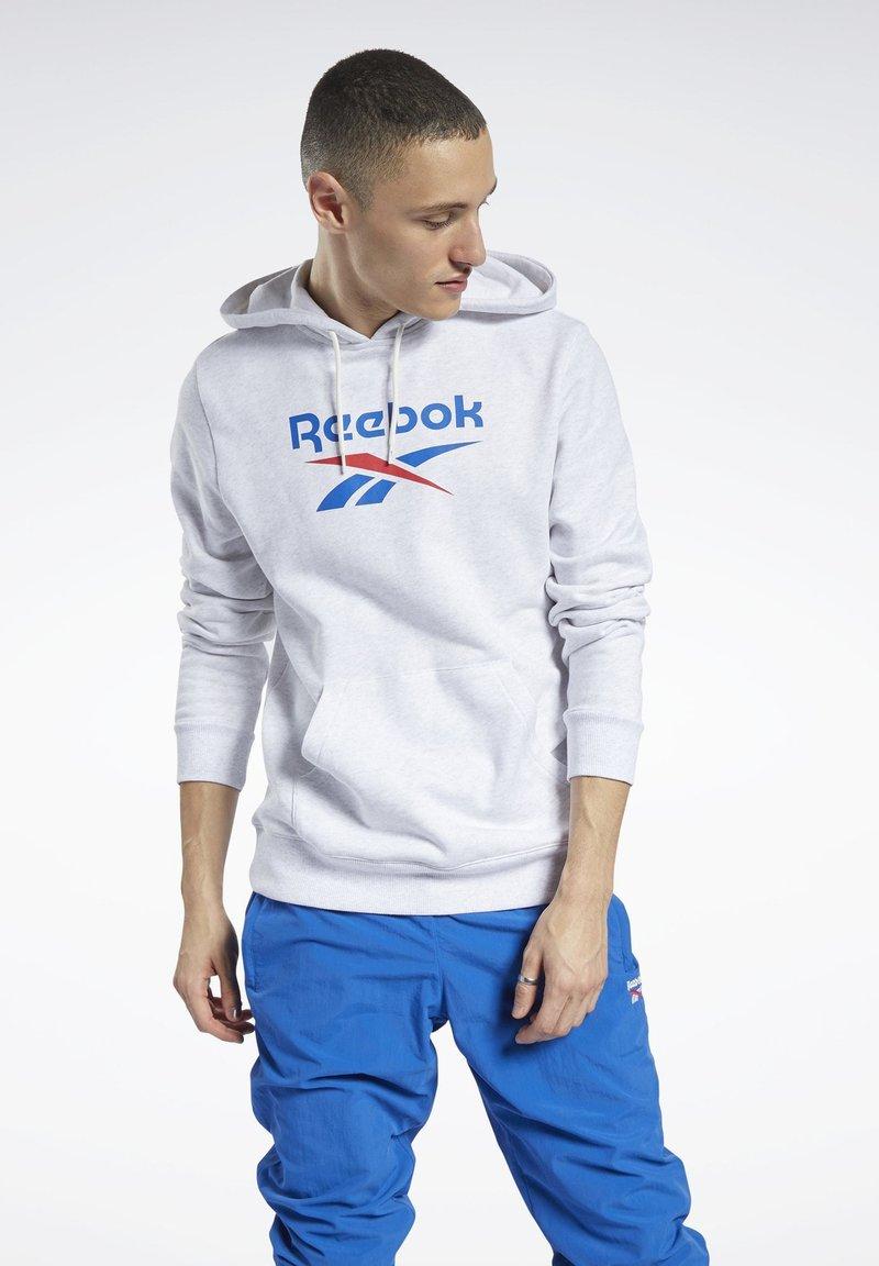 Reebok Classic - CLASSICS VECTOR HOODIE - Hoodie - white