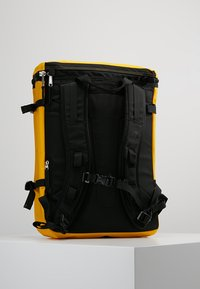 The North Face - BASE CAMP FUSEBOX - Plecak - yellow - 2