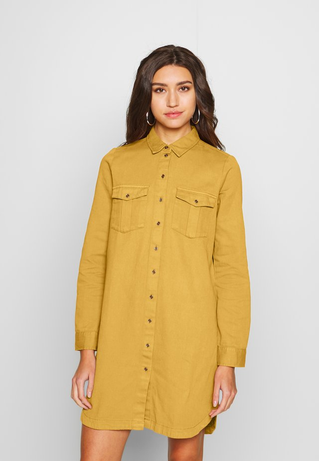 SOPHIE SHORT DRESS - Denim dress - brown sugar