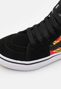 Vans - COMFYCUSH SK8 UNISEX - High-top trainers - black/true white - 5