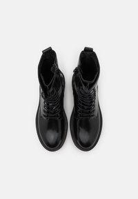 Zign - Kotníkové boty na platformě - black - 5
