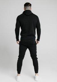 SIKSILK - PRESTIGE - Jersey con capucha - black/gold - 2