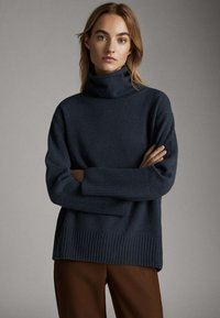 Massimo Dutti - CAPE-PULLOVER AUS WOLLE UND KASCHMIR MIT KAPUZENKRAGEN 05616828 - Sweter - dark grey - 4