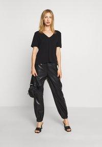 G-Star - CORE OVVELA - Print T-shirt - black - 1