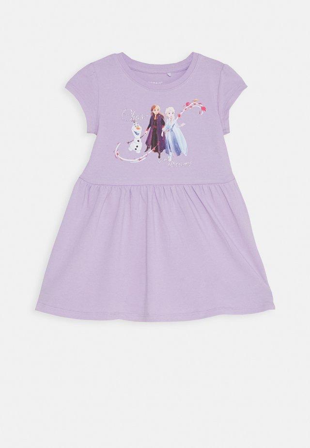 NKMFROZEN JANNIE DRESS - Žerzejové šaty - pastel lilac