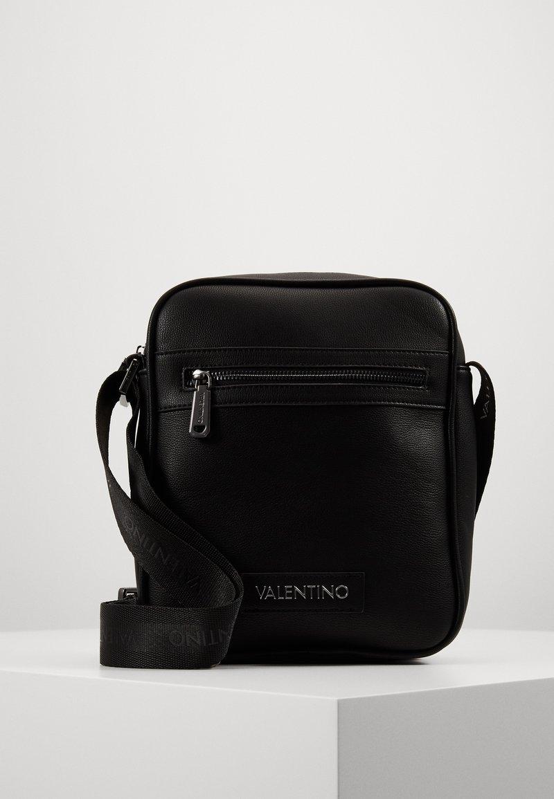 Valentino Bags - FINN - Sac bandoulière - nero
