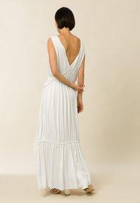IVY & OAK - MALVA - Maxi dress - pearl - 1