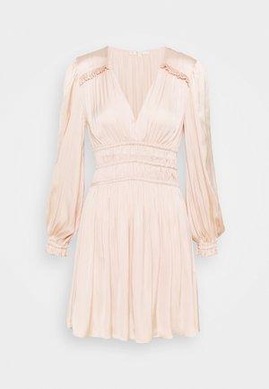RIANNE - Vapaa-ajan mekko - nude