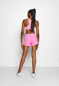 Nike Performance - kurze Sporthose - pink glow/pink rise/pink foam/wolf grey - 2