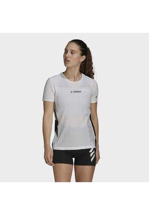 W AGR PRO TEE - Print T-shirt - white, black