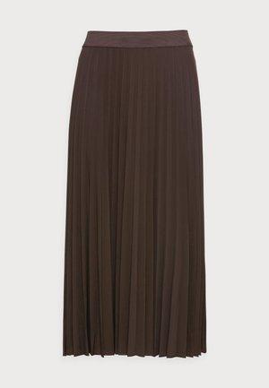 OMYLA - Pleated skirt - chocolate