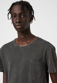 AllSaints - PILOT - Basic T-shirt - black - 2